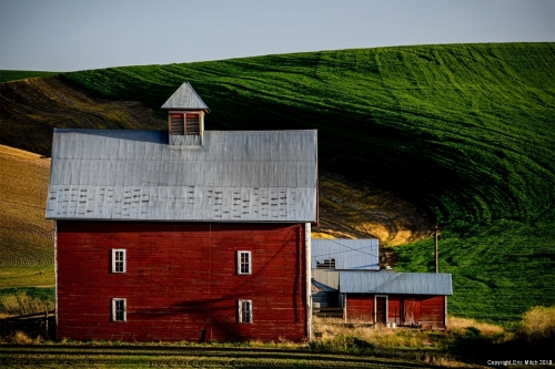 Red barn The Palouse